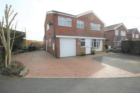 4 bedroom detached house for sale - Chatsworth Drive, Werrington