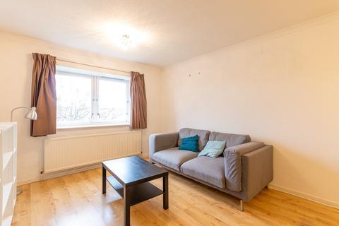 1 bedroom flat to rent - East Champanyie Edinburgh EH9 3EL United Kingdom