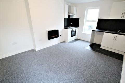 Studio to rent - Flat 5, 53 Connaught Avenue