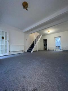 3 bedroom terraced house to rent - e10 5dl