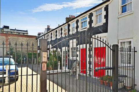 2 bedroom terraced house to rent - St. Johns Mews Bristol Road BN2