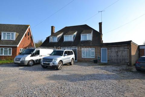 6 bedroom detached house to rent - Elm Road, Reading
