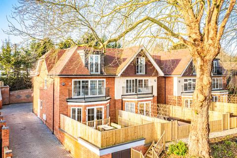 4 bedroom property for sale - 9 Shooters Hill, Pangbourne on Thames, RG8