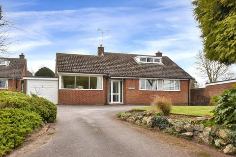 3 bedroom detached bungalow for sale - Stowe By Chartley, Stafford