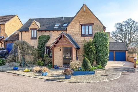 4 bedroom detached house for sale - The Spindles, Cheltenham