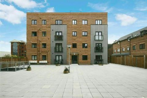 2 bedroom apartment to rent - Woodfield Road, Altrincham