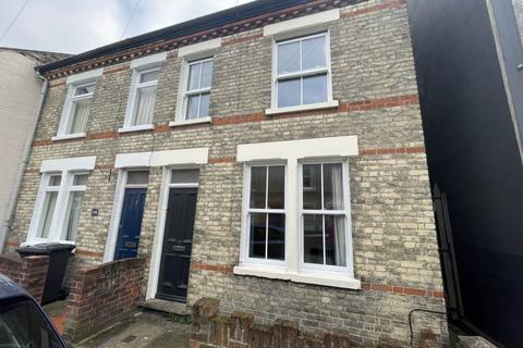 4 bedroom end of terrace house to rent - Catharine Street, ,
