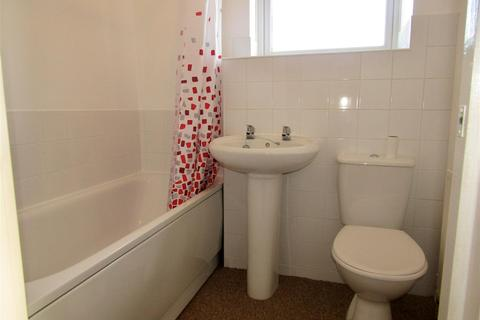 2 bedroom flat to rent - College Road, Bexhill-On-Sea
