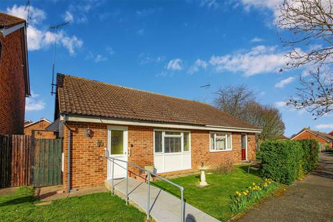 2 bedroom semi-detached bungalow for sale - Medway, Burnham-On-Crouch