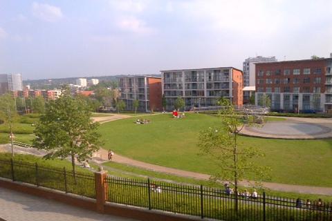 2 bedroom flat to rent - Langley Walk, Center, Birmingham, West Midlands, B15