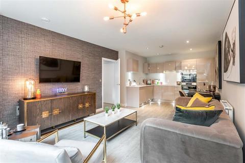 3 bedroom apartment for sale - 3 bed apartment - Plot 765 - Criterium House at Chobham Manor, Queen Elizabeth Olympic Park, 1 Hyett Terrace , Honour Lea Avenue  E20