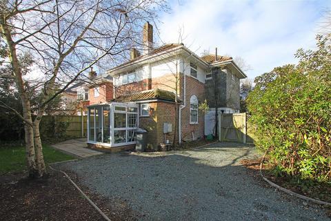 3 bedroom detached house for sale - Holdenhurst Avenue, Bournemouth