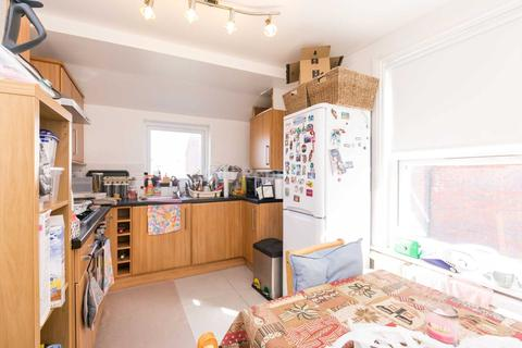 2 bedroom apartment to rent - Ranelagh Road, Wood Green, N22