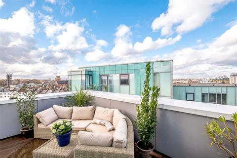 3 bedroom penthouse for sale - Lux Apartments, Broomhill Road, London, SW18