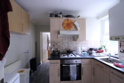 2 bedroom flat to rent - Barclay Road, Walthamstow, London, E17 9JL