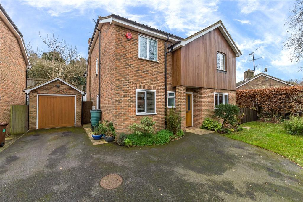 4 Bedrooms Detached House for sale in School Lane, Welwyn, Hertfordshire