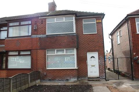 1 bedroom in a house share to rent - Bedroom One, 238 Foxdenton Lane, Chadderton