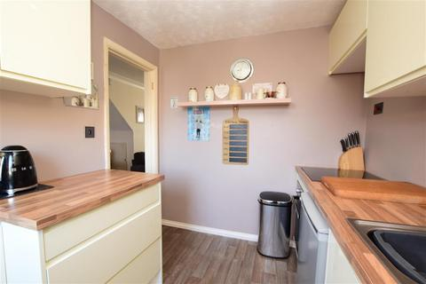 3 bedroom terraced house for sale - Russell Close, Worthing, West Sussex