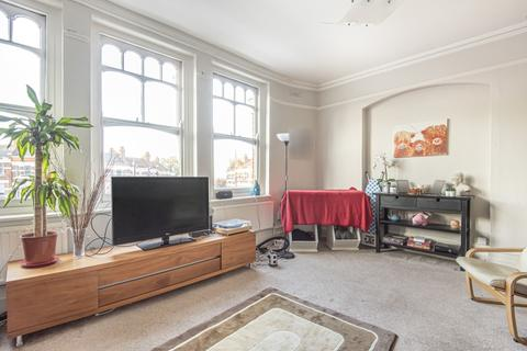 4 bedroom flat to rent - Muswell Hill Broadway London N10