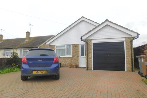 2 bedroom detached bungalow for sale - Kemsley Road, Felixstowe IP11