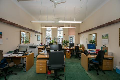 Workshop & retail space to rent - Wimbledon, SW19