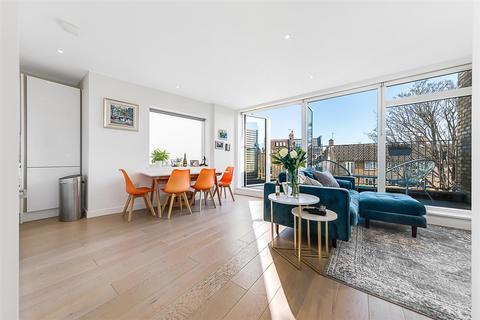 2 bedroom flat for sale - Hafer Road, SW11