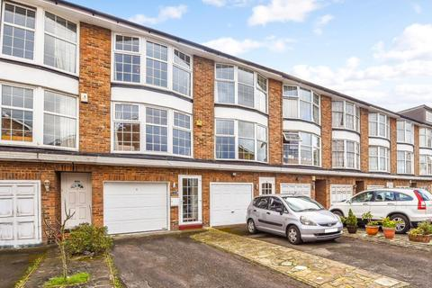 3 bedroom terraced house for sale - St. James Close, New Malden, KT3