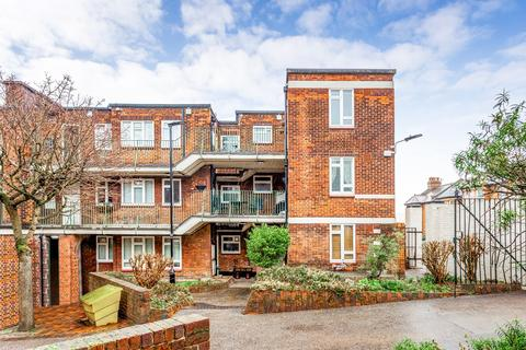 2 bedroom flat to rent - St. James Lane, Muswell Hill, N10