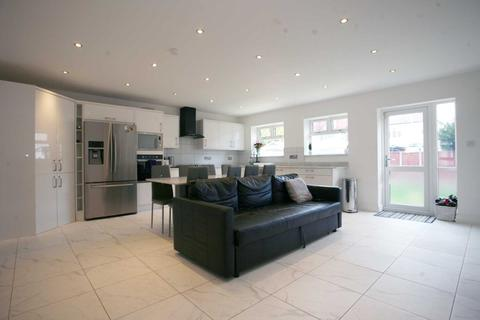 3 bedroom semi-detached house to rent - Field Park Crescent, Chadwell Heath, RM6
