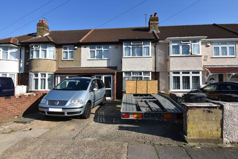 3 bedroom terraced house for sale - Heston, TW3