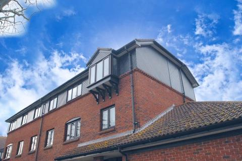 2 bedroom apartment for sale - Imperial Avenue, Westcliff-On-Sea