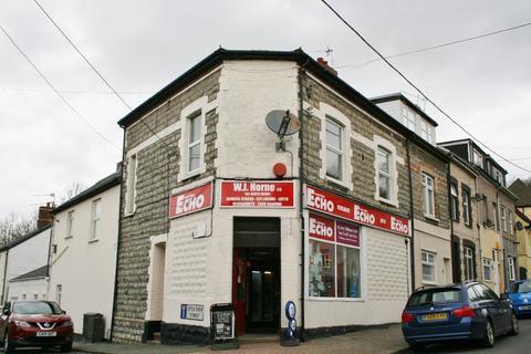 Showroom to rent - Pill Street, Cogan, CF64 2JR
