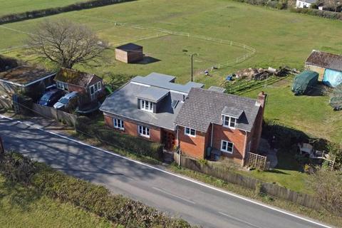 4 bedroom detached house for sale - Hale