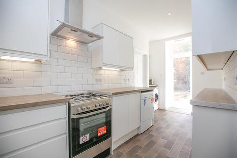 6 bedroom terraced house to rent - New Bridge Street, City Centre, NE1