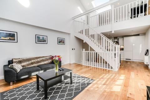 2 bedroom terraced house to rent - Stanley Gardens, Acton, London, W3