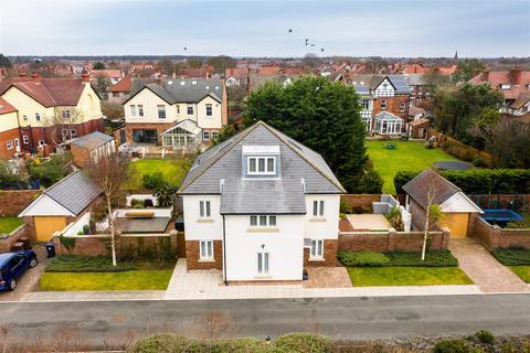 6 bedroom detached house for sale - Hall Park, Liverpool