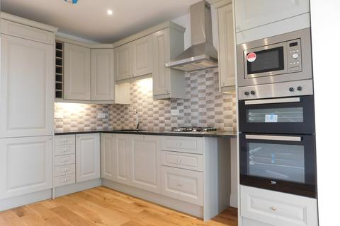 3 bedroom flat to rent - Studland Road, Hanwell, London, W7