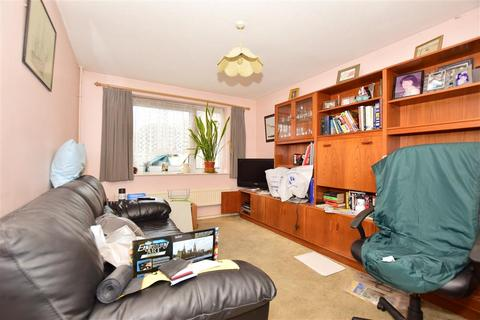 2 bedroom semi-detached house for sale - Sanders Court, Minster On Sea, Sheerness, Kent