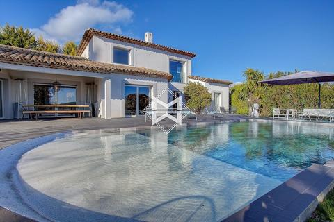 5 bedroom house - Châteauneuf-Grasse, 06740, France