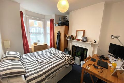 4 bedroom terraced house to rent - Jubilee Road, Southsea