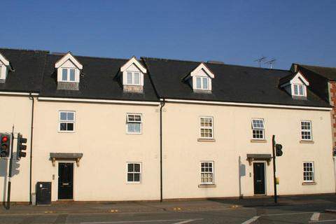 2 bedroom flat to rent - Swindon Street, Highworth, Swindon, Wiltshire, SN6 7FD