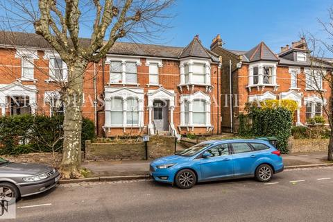 Studio to rent - Mount View Road, Crouch End, London N4 4JA