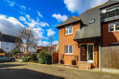 2 bedroom semi-detached house for sale - Kings Road, Burnham-On-Crouch