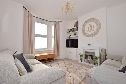 3 bedroom end of terrace house for sale - Francis Avenue, Ilford, Essex