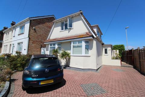 1 bedroom in a house share to rent - Rossmore Road, Parkstone - Single Room Available