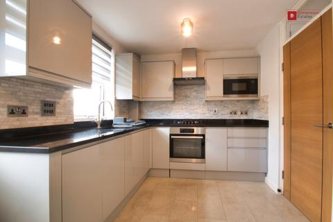 2 bedroom townhouse to rent - Cressington Close, Dalston, hackney, N16