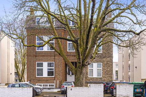 2 bedroom flat for sale - Cedars Road, Clapham