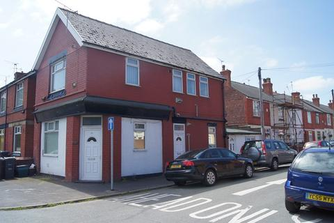 2 bedroom flat to rent - 39a Stanley Road, Ellesmere Port, Cheshire. CH65 2BQ