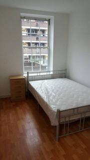 1 bedroom in a flat share to rent - Shadwell Gardens,  London, E1