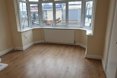 3 bedroom terraced house to rent - Green Street, Forest Gate E7